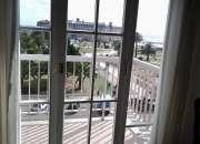 Balcón al frente sobre av. colón. vista total a la plaza colón, al casino, al hotel pcial. y al mar