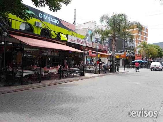 Local comercial en venta, en villa carlos paz, plena peatonal (galería pallas atenea)