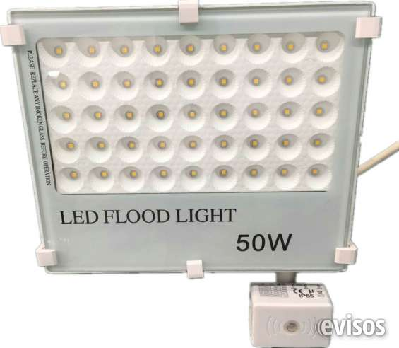 100lm/w slim led flood light-- high efficacy 10w, 20w, 30w, 50w, 100w, 150w and 200w with philips smd, also available in rgb, blue, red, green color options, ideal for parking lot, billboard warehouse, workshop, stadium,
