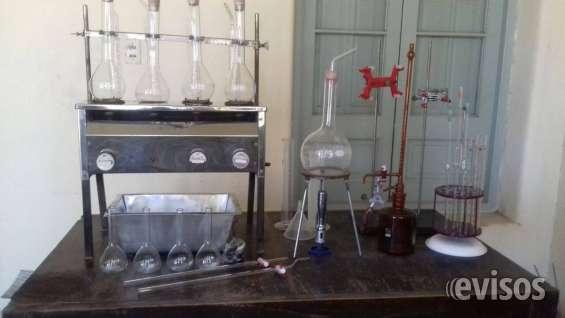 Equipo de laboratorio para elaboración de vinos