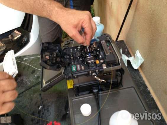 Realizamos todo tipo de trabajo en empalmes de fibras y mantenimientos.
