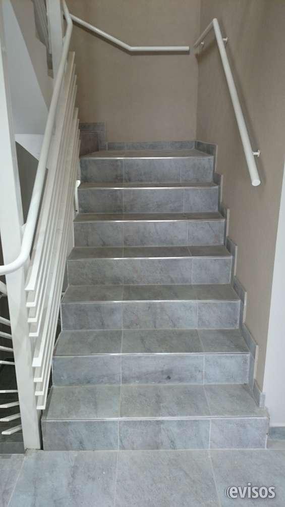 Acceso por escalera y ascensor