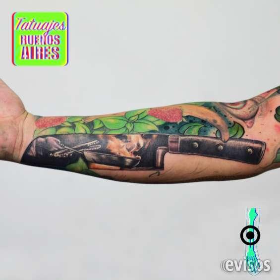 Tatuaje cuchillo cocinero realizado por @jose luis segura martinez #tattoo #tatuajes #cocina #chef #manga #frutas #vegetales #verduras #knife #cook #profesion #brazo #tatuajesbuenosaires #fuego #llamas