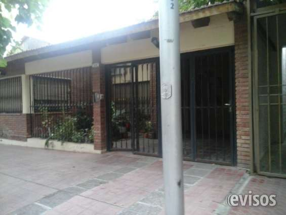 Vendo casa b° municipal lh 3 dorm c/placar 2 baños,cochera patio