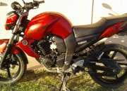 Vendo moto yamaha fz 2015 con alarma 14500 km en excelente! estado! !!