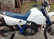 Vendo moto suzuki d r 650, muy buen estado