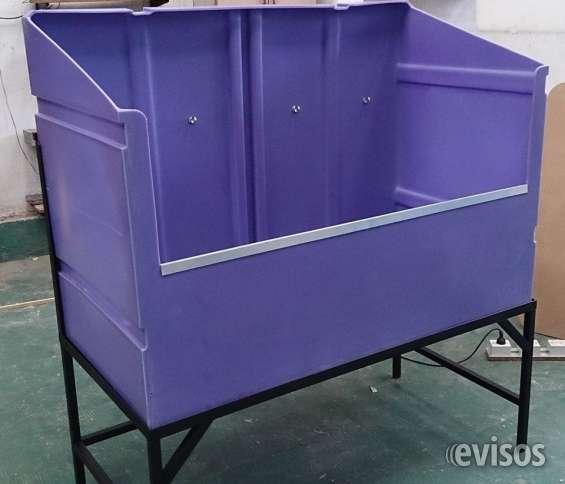 fabricadas en un material muy resistente a los golpes, al tiempo, al agua, frío y calor, simple y fácil de limpiar..