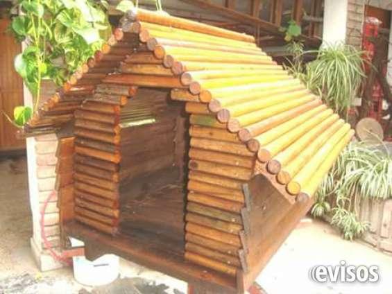Cucha tipo cabaña artesanal totalmente de madera atornillado