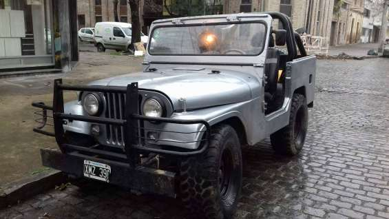 Vendo jeep, modelo 73
