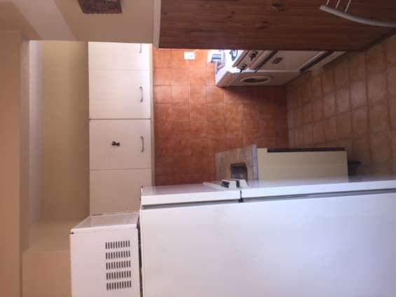 Cocina  con lavadero incorporado