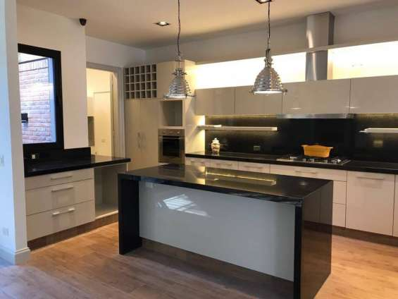 Mesadas de cocina y baño en granito negro brasil en Bella Vista ...