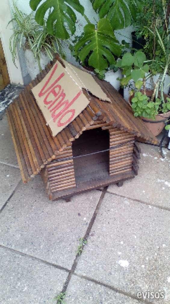 Cucha artesanal tipo cabaña para perrito pequeños de madera