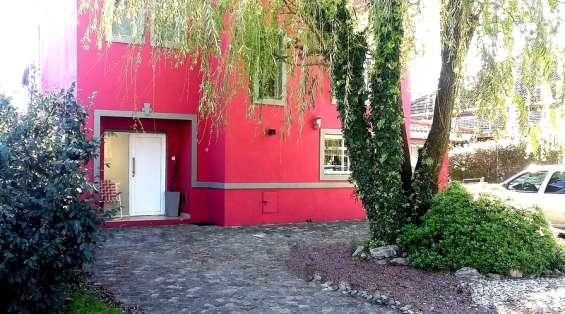 Dueño vende casa en barrio privado moreno