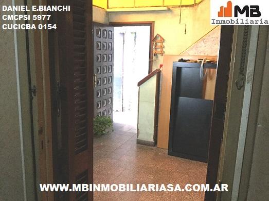 Parque avellaneda ph a reciclar 5 amb.c/patio homero al 1200