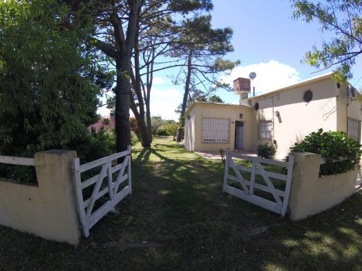 Casa + depto con gas natural. lote 15x40 mts (1133)
