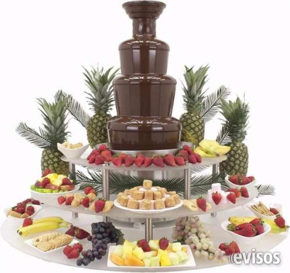 Barra de tragos mesa dulce de cascada de chocolate y cascada de queso