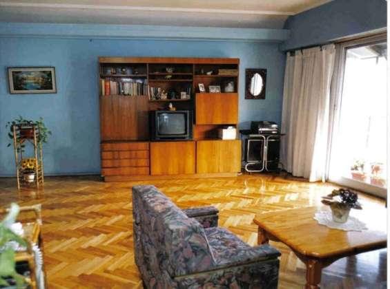 Alquilo habitación muy luminosa en mi departamento. ideal estudiante.