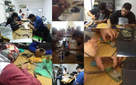 Curso intensivo de verano de reparacion de celulares