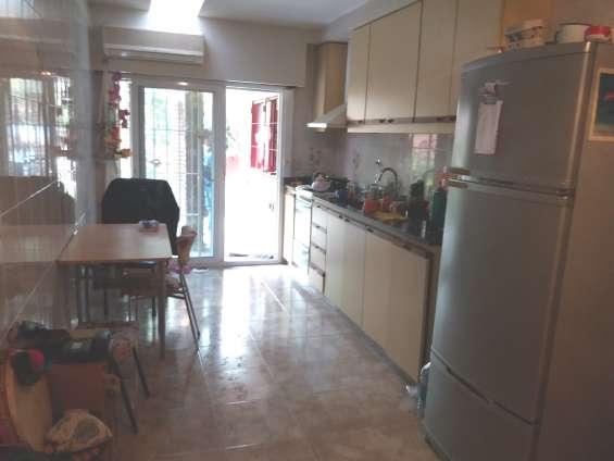 Casa con lote propio 8.21 x 24.85 ambientes 6 ideal para 2 familias 2 garage estivao 120/1