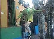 Malabaristas Monociclistas Mimos Estatuas vivas Comicos Magos Artistas Zona Argentina