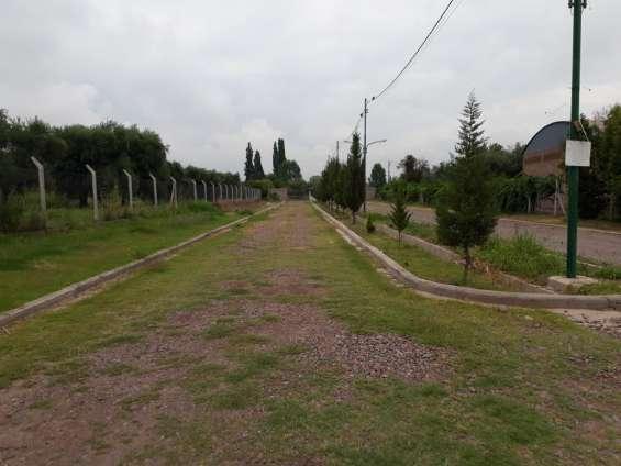 Calle privada de ingreso