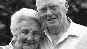 Residencia geriatrica funcionando hace 40 años dueño