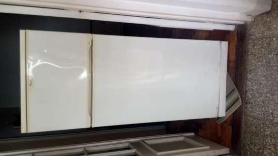 Heladera whirpool con freezer usada en buen estado vendo