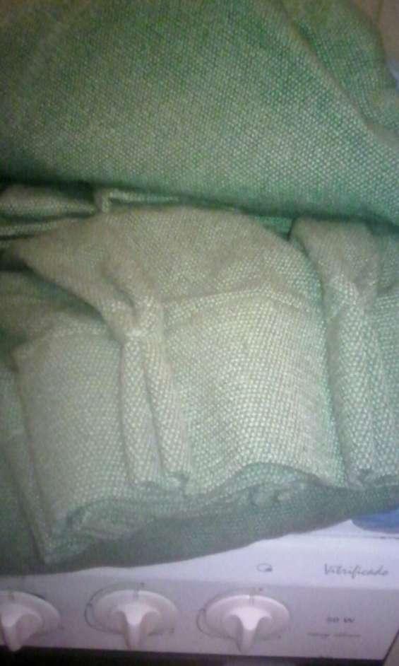 Juego de 2 cortinas de gabardina color verde musgo