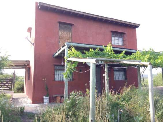 Casa en barrio atalaya ref 145