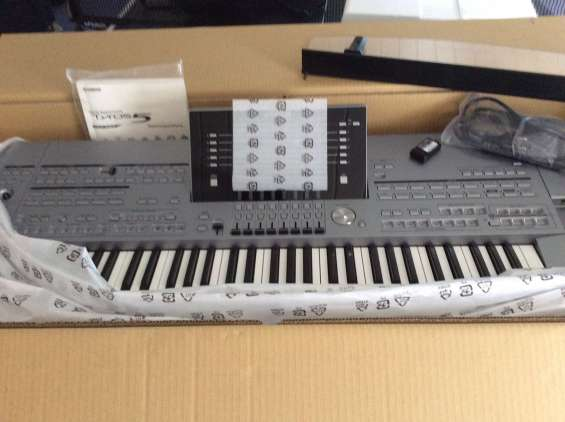 Yamaha tyros 5 keyboard synthesizer '76
