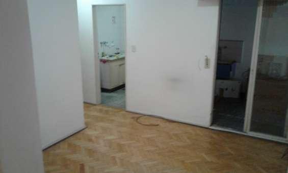 Vendo departamento 2 amb. 1er piso, c/ascensor, interno, apto profecional