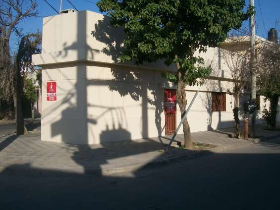 Venta bº rivadavia casa, dpto y depósito a mts sabattini