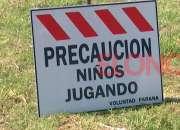 Cartelería de seguridad en Av. Vicente Lopez en Bernal