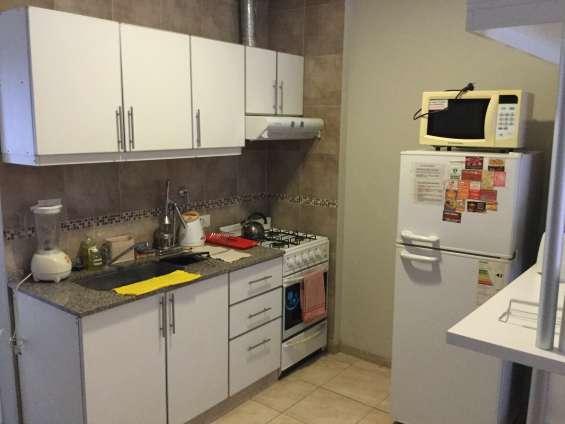 Cocina, microondas, licuadora, heladera