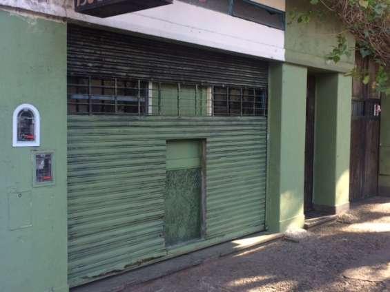 Alquilo local avenida jorge newbery 3600 sin expensas t/destino....!!