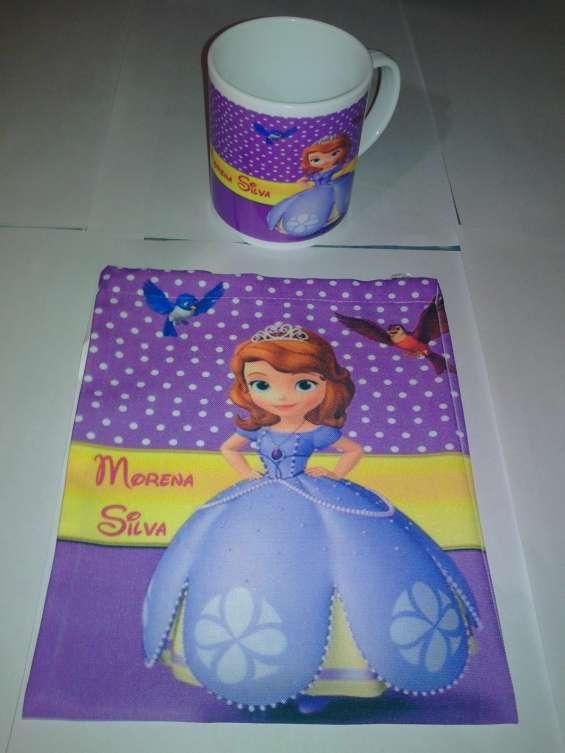 Tazas sublimadas de plástico con bolsita del mismo diseño
