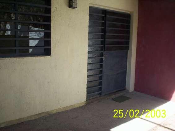 Alquilo departamento interno