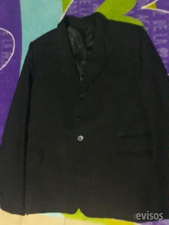 Vendo ropa usada pero buen estado a 100 pesos y traje a 700