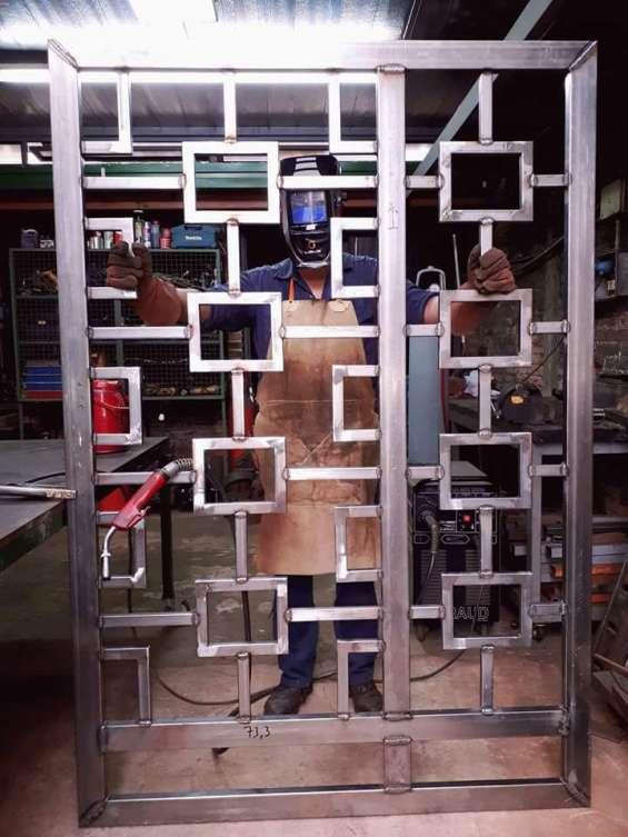 Rh work service metalúrgica en general; diseñamos tu portón a elección