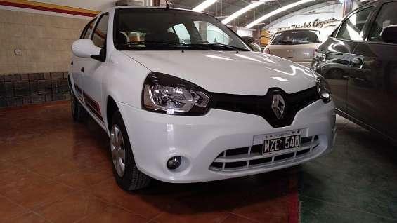 Renault clio mio 5 puertas 2013 impecable 68.000 kms.