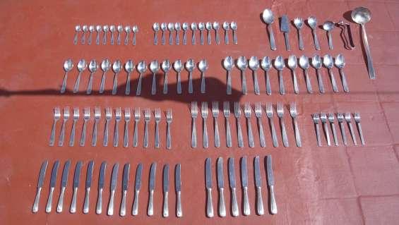 Juego de 95 cubiertos acero inoxidable gamuza