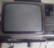 """Tv hitachi color """"cero defecto con conversor para 80 canales y soporte pared"""