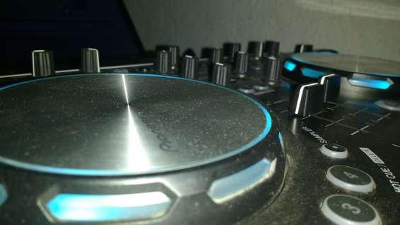 Disc jockey en florencio varlea dj sonido luces para fiestas