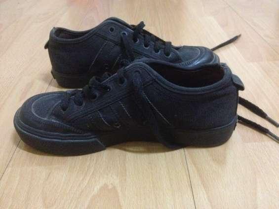 Zapatillas adidas nizza negras