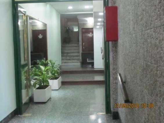 Amplio dto. 3 ambientes en barrio balvanera
