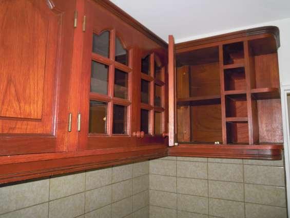 Mueble de cocina completam. en cedro