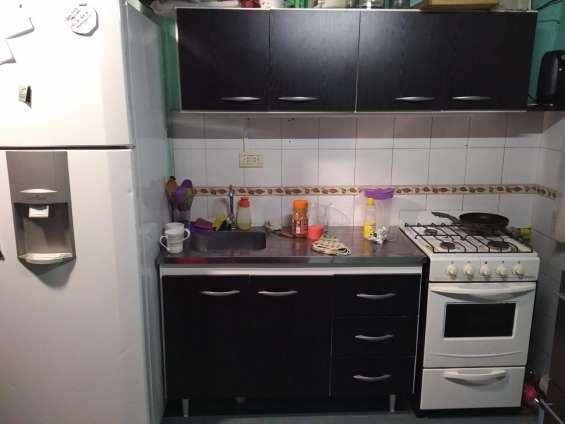 Alquiler casa t/dpto. para 1ó2 personas.témperley, san roque y lavalle 1400,colectivos