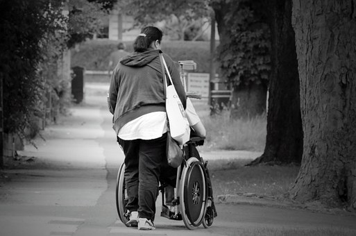 Cuidadoras a domicilio-clinicas-geriatricos-hospitales-