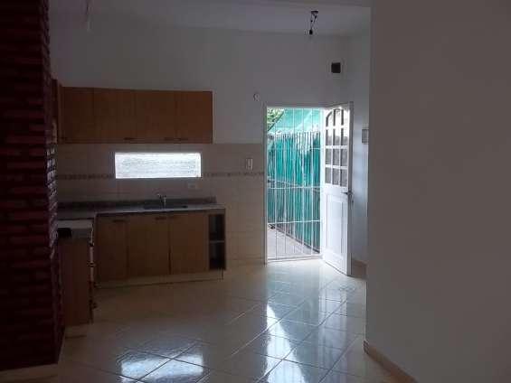 Duplex de 4 ambientes en alquiler lomas del mirador