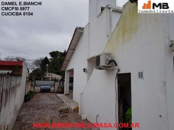 Fotos de Moreno venta casa 4 amb.c/patio, pileta en esteban de luca al 2300. apto credito 15